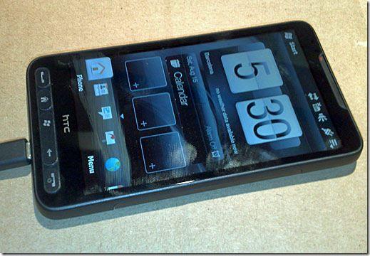 HTC Leo с 1-ГГц процессором,оснащеный емкостным дисплеем с поддержкой мультитач