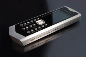 Титановый супер-телефон от Грессо