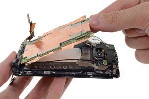 В iFixit разобрали HTC One: что к чему?