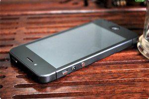 Появился первый клон Apple iPhone 5S