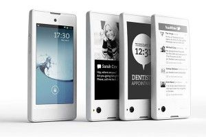 Российский смартфон с двумя экранами поступил в продажу