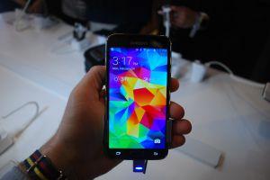 Vodafone будет продавать Galaxy S5 в Британии