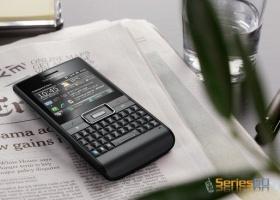 QWERTY коммуникатор Sony Ericsson Aspen